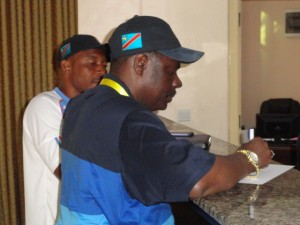 Le VP-Coordon Théo Binamungu supervise le logement au Lemigo Hotel de Kigali
