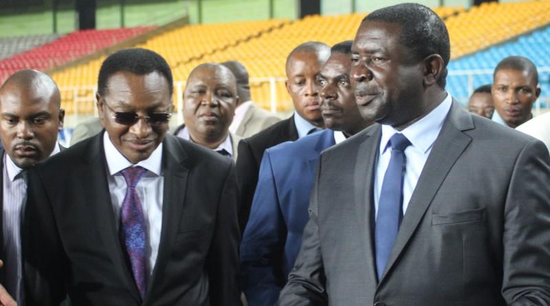 Le Premier Ministre Bruno Tshibala Nzenze et le ministre  des Sports et loisirs, Papy Niango Iziamayi